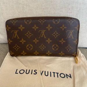 Authentic Louis Vuitton Organizers wallet